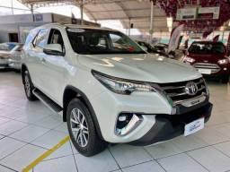 Título do anúncio: Toyota SW4 2.8 SRX 2018 !! 4X4 Diesel 7 Lugares Automático !!