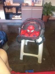 Mochila infantil com desenho homen aranha usada 2 meses  20$ não tem nada istragado