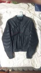 Título do anúncio: Jaqueta de couro legítimo Augustus, tamanho 58. R$ 800,00 somente a vista.