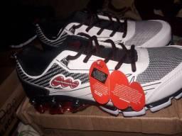 Vendo esses sapatos novos