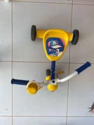Triciclo infantil - menino e menina