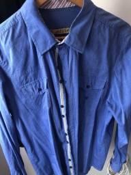 Linda camisa social azul.