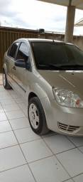 Fiesta sedan 1.0 básico
