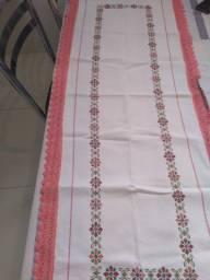 Pano caminho de mesa tamanho 1.50 x 30 cn