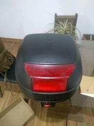 Baú moto ficou com luz de freio