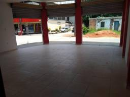 Título do anúncio: Alugo loja no centro da Ribeira, Papucaia
