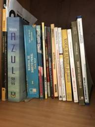 Doa-se livros de direito