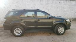 Toyota Hilux SW4 2014/2014 7 Lugares Extra - 2014