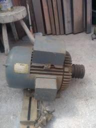 Motor monofásico de 7,5 vc