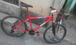 Bicicleta de aluminio de macha novinha