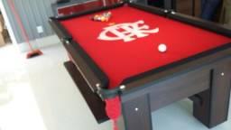 Mesa de Sinuca Cor Tabaco Tecido Vermelho Logo Flamengo Mod. ICCY5205