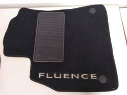 *7 - Tapete De Carpete Renault Fluence Original