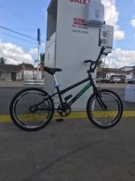 Bike nova , sem tempo pra andar ficar quadrada