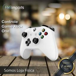 Controle para Xbox One - Cor Preta - 12xS/Juros - Somos Loja Física