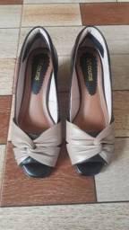 Vendo ou troco esses sapatos
