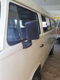 Kombi Standard 9 Lugares  - 2010