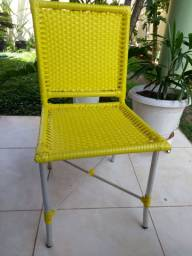 04 cadeiras de alumínio e fibra sintética