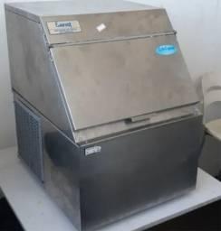 Máquina de Gelo em Cubos Evest 50Kg -R$ 1.800,00