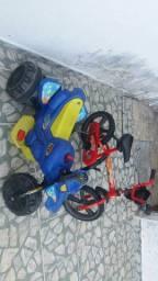 Moto elétrica e bicicleta