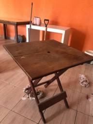 Mesa desmontável da Itaipava de madeira