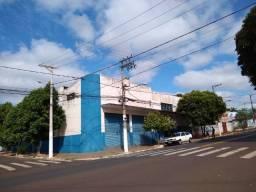 Galpão com 600m² na Avenida Jacinto Sá em Ourinhos