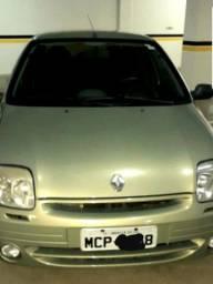 Clio sedan - baixa kilometragem!!