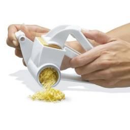 Ralador Manual de queijo e legumes