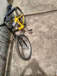 Bike muito nova aro 20 200 hoje