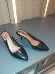 Sandálias n: 35 bem conservadas