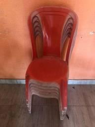5 Cadeira de plástico !
