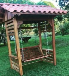 móveis artesanais de madeira