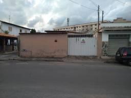 Casa para aluguel, 3 quartos, 1 suíte, 2 vagas, Centro - Sete Lagoas/MG