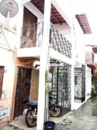 Casa 1 quarto, no bairro Henrique Jorge, a poucos metros do supermercado Cometa.