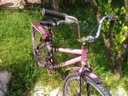 Bicicleta usada poucas vezes.