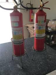 Base para extintor de incêndio