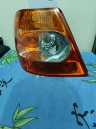Lanterna esquerda Siena 2006(G3)