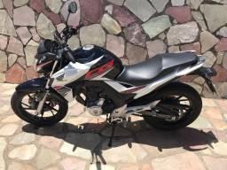 Honda cb 250 twister /passo financiamento