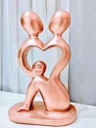 Enfeite De Casal Rosa Gold Estátua Em Resina Decoração Casa
