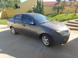Focus Sedan Ghia 2001/2001 Gasolina Mecânico