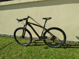 Bicicleta oggi aro 29 quadro 19.