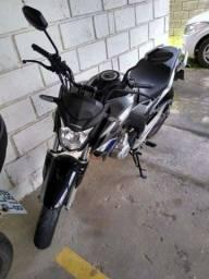 Título do anúncio: Moto CB 250 Twister novíssima