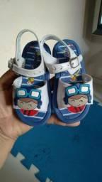 Título do anúncio: Lote  de calçados infantil  100,00 REAIS