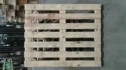 Título do anúncio: Paletes de madeira 1,05 x 0,93 usado