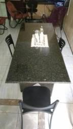 Mesa toda em granito