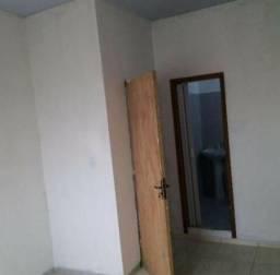 Kitnet/Apartamento/01 quarto/Suíte/Cozinha/Sala R$500 Tudo incluso