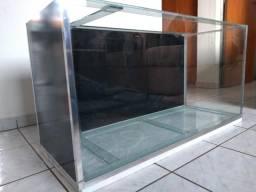 Aquario de 200 litros com bota de descida