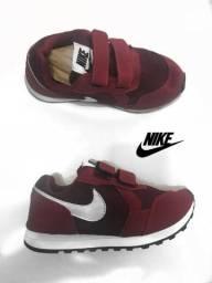 Tênis Nike c/ Velcro Infantil Importado Novo