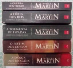 Crônicas de Gelo e Fogo (Game of Thrones) 5 livros pôsters, mapas linhagens, + personagens