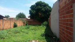 LOTE 300m2 murado com portão e água instalada
