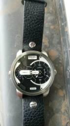 33d996df115 Relógio diesel troco em peças de som